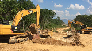 红岭灌区工程总干Ⅱ标  渠道土方开挖作业