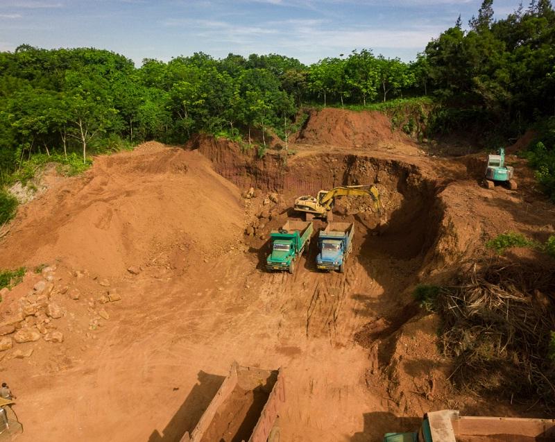 <span>红岭灌区重兴分干4#隧洞施工现场</span>
